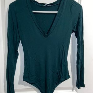 Stretch Long Sleeve with cleavage